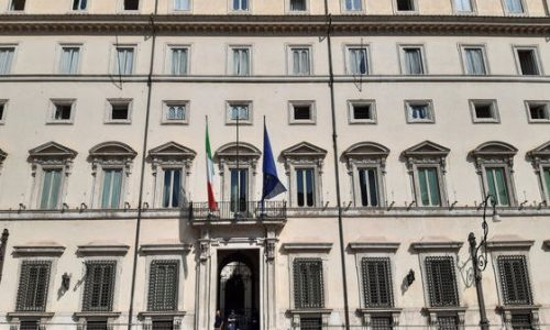 """Gli """"eroi"""" a Roma contro i tagli nella sanità molisana. Ma solo in 400…"""