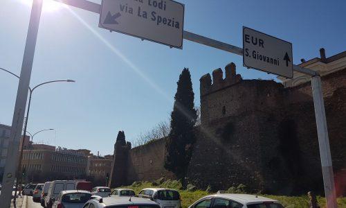 Roma, viale Castrense, si riaccende la polemica contro il M5S per la chiusura