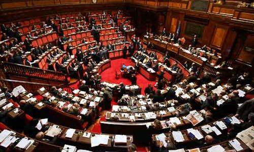 I populisti sviliscono il Parlamento