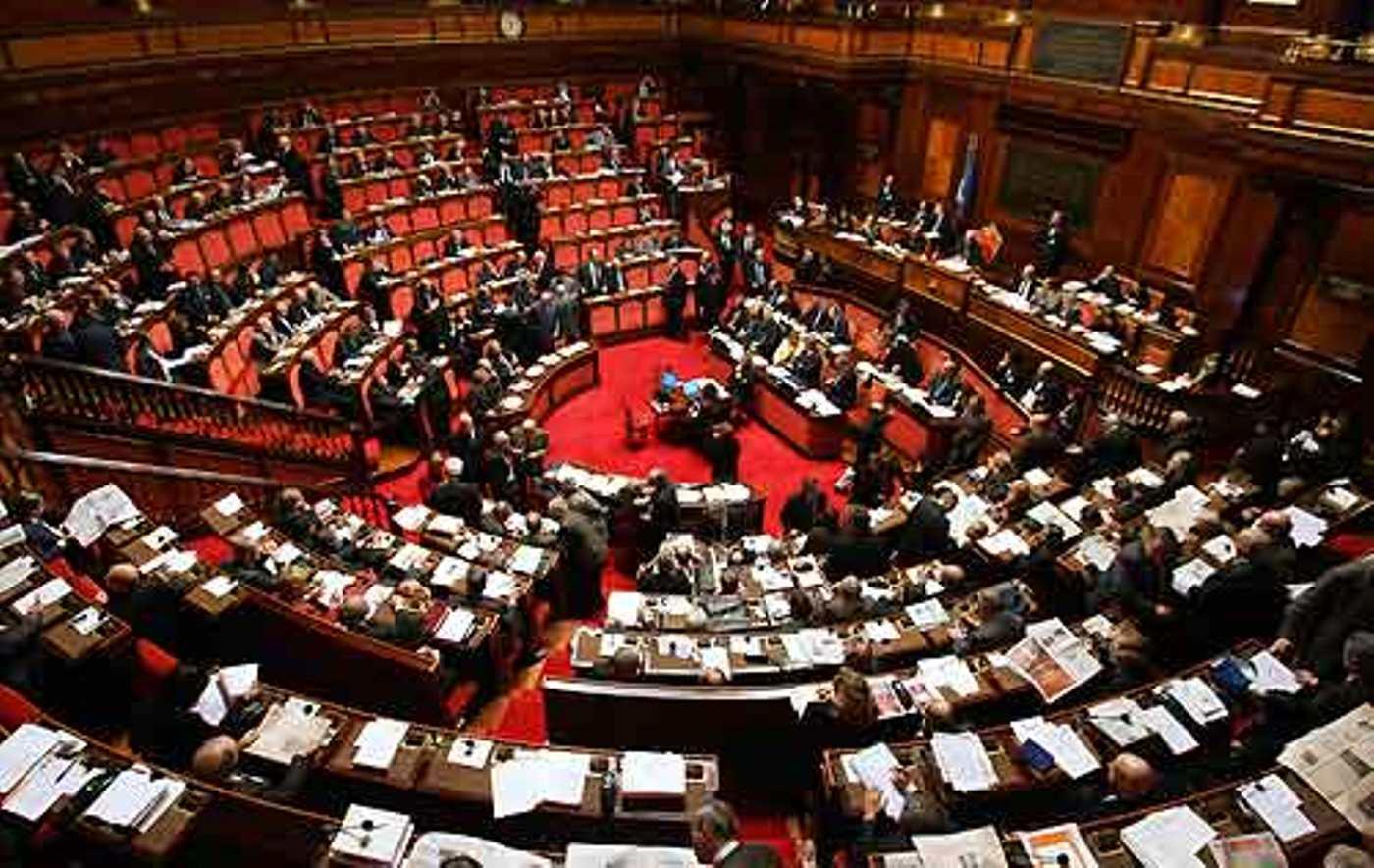 I populisti sviliscono il Parlamento - Forche Caudine