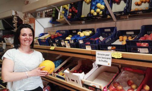 """Agnone, l'intrigante punto vendita di """"Siamo alla frutta"""""""