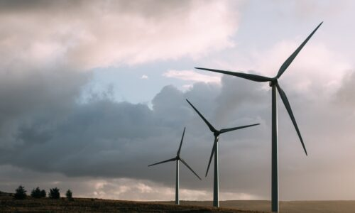Molise, torna ipotesi eolico, due Comuni dicono no