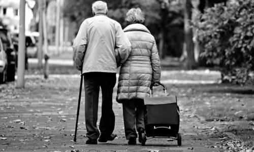 Anziani, non solo vittime del Covid ma protagonisti del futuro